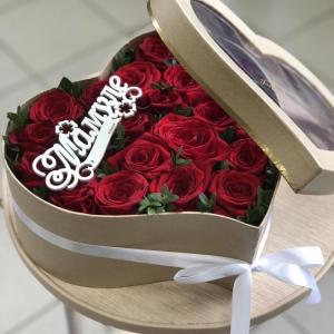 Роза в коробке для мамы