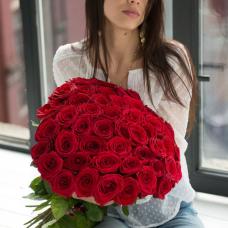 Букет из 25 красных роз 60 см (Россия)