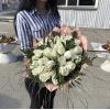 Шикарный буке белых роз