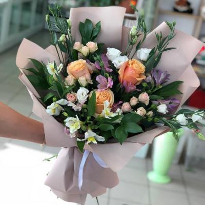 Букет с кенийскими розами
